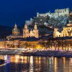 Salzburgo de noche Austria