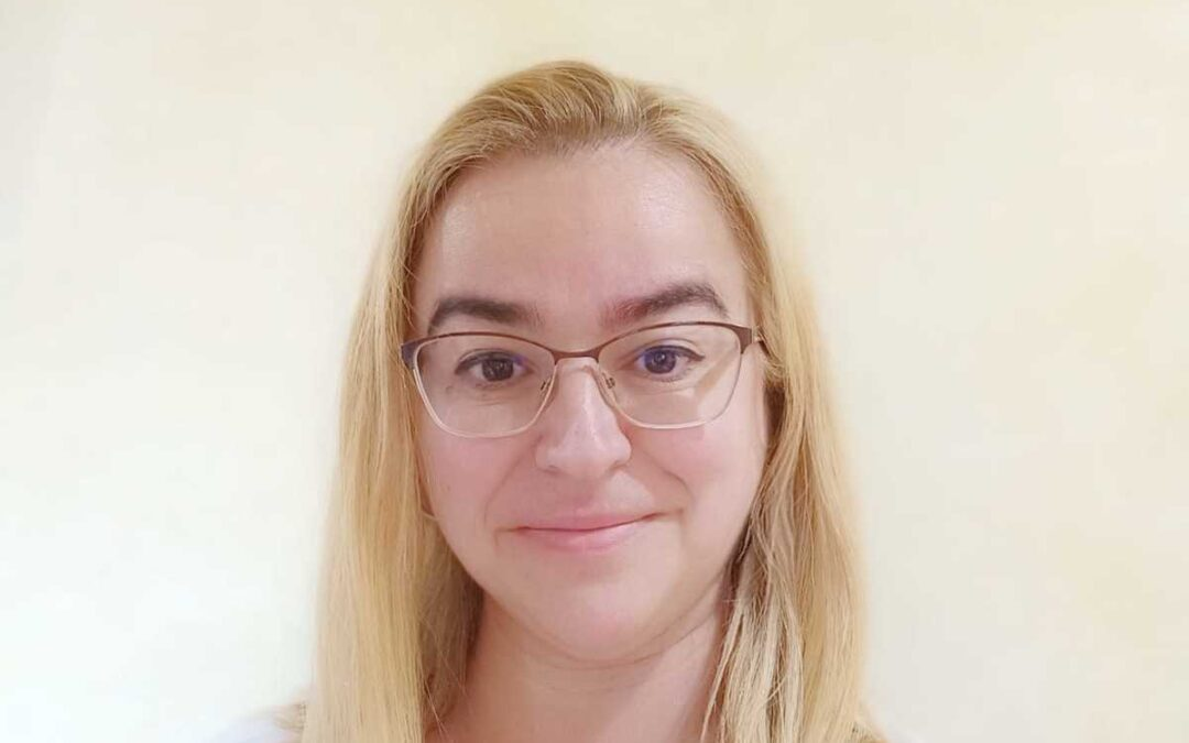 Co-examinadora del instituto Goethe. Poliglota, 7 Idiomas.