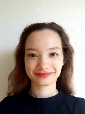 Stefanie. Profesora nativa de alemán. Plurilingüe, altamente cualificada.